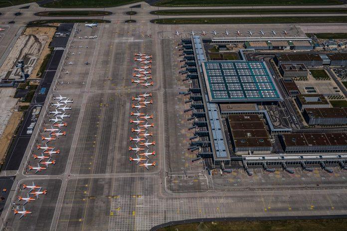 Berlin Havalimanı açılıyor