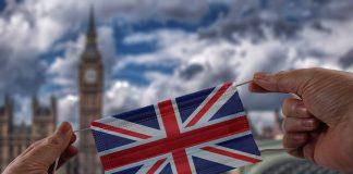İngiltere'de Koronavirüs Vakaları Kontrolden Çıktı