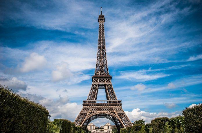 Fransa, çalışma izni başvurularını alacak