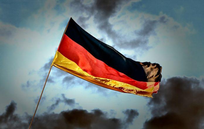 Almanya seyahat kısıtlamalarını gevşetiyor