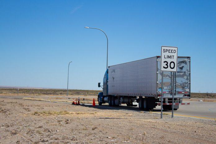 İngiltere, kamyon şoförü sıkıntısı çekiyor